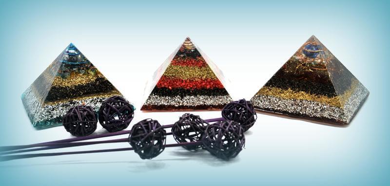 Piramides aureas
